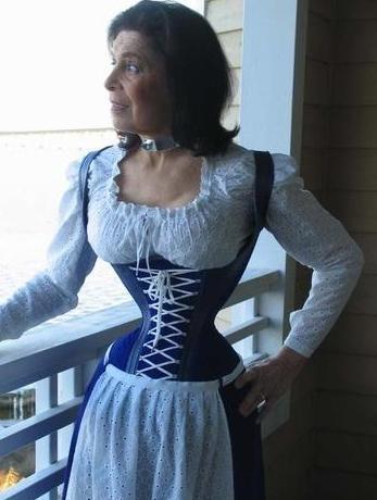 La mujer con la cintura más delgada del mundo
