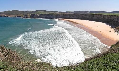 Escapadas en familia a la playa de Langre