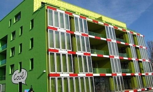 Nuevo edificio calefaccionado con algas