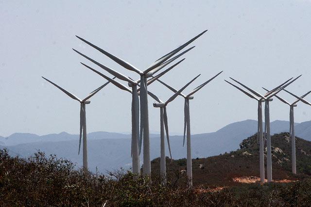 Nuevo máximo de generación eólica en la península
