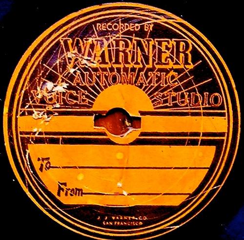Warner Music acusada de robar dinero a la música digital